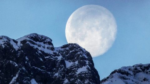 Don't Miss The Super Snow Moon Tonight – Here's What It Means | Country Music Videos