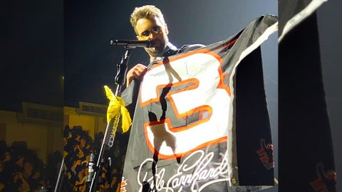 Stadium Erupts When Eric Church Pulls Off Epic Tribute To Dale Earnhardt Sr. | Country Music Videos