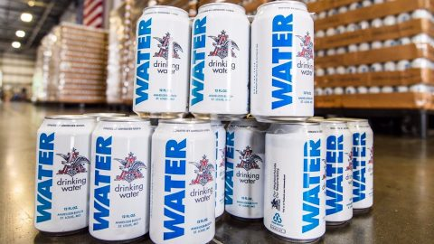 Anheuser-Busch To Send 100,000+ Cans Of Water To Nebraska Flood Victims | Country Music Videos