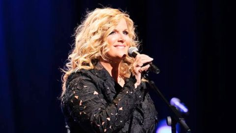The Secret Heirloom Trisha Yearwood Debuted On The Opry Stage | Country Music Videos