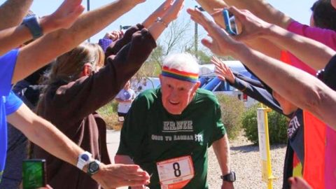 WWII Vet Sets World Record Running Across United States | Country Music Videos