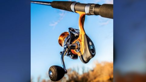 This Fishing Reel Notifies Your Phone When You Get A Bite | Country Music Videos
