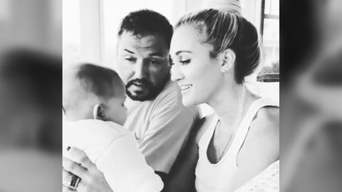 Brittany & Jason Aldean Sing 'My Girl' To Daughter Navy | Country Music Videos