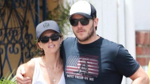 Chris Pratt Wears 'Don't Tread On Me' Shirt – Huge Controversy Follows | Country Music Videos