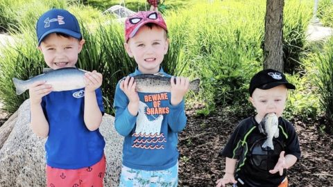 Mom Snaps Photo Of Three Sons After Fishing – Youngest Brother Makes It Go Viral | Country Music Videos