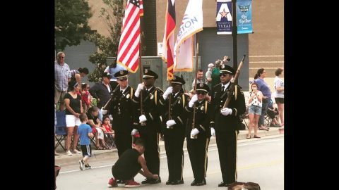 10-Year-Old Boy Helps Honor Guard Tie His Shoe During Parade | Country Music Videos