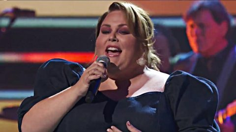 CMT Artists Of The Year: 'This Is Us' Actress Chrissy Metz Honors Luke Combs With 'Even Though I'm Leaving' | Country Music Videos