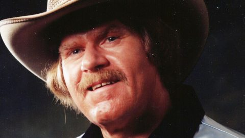 """""""Paper Rosie"""" Writer & Country Singer Dallas Harms Dead At 84 