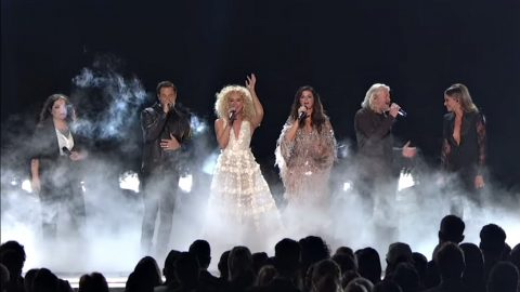 """Little Big Town Joined By Up-And-Coming Female Artists For 'Girl Crush"""" Performance   Country Music Videos"""
