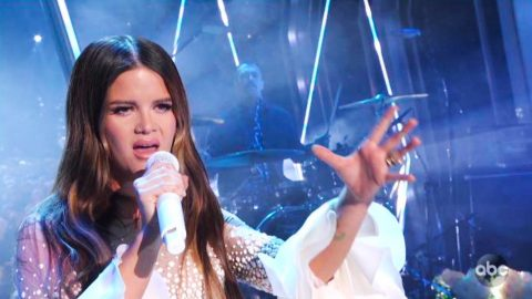 "Rewind To A Pregnant Maren Morris Performing ""GIRL"" At 2019 CMA Awards 