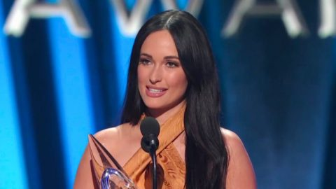 The 2019 CMA Award For Female Vocalist Of The Year Goes To…Kacey Musgraves | Country Music Videos
