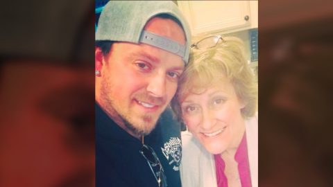 Mother Of Love And Theft Singer, Stephen Barker Liles, Has Passed Away | Country Music Videos