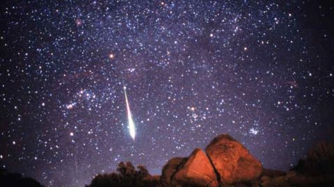 Meteor Shower Coming Today – There Could Be 400 Shooting Stars An Hour | Country Music Videos