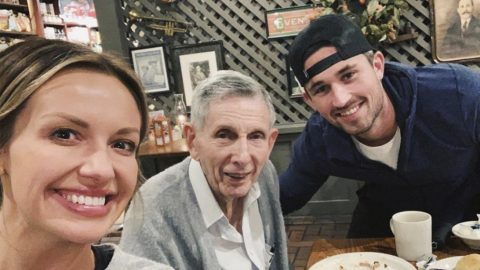Michael Ray And Carly Pearce Enjoy Thanksgiving Dinner With 89-Year-Old Stranger | Country Music Videos