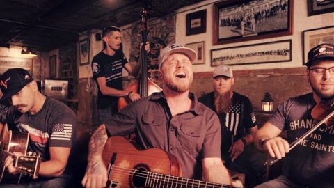 """Cody Johnson Drops New Acoustic Video For """"Nothin' On You"""" 