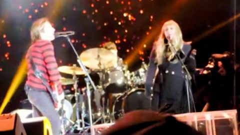 """Keith Urban & Stevie Nicks Perform """"Stop Draggin' My Heart Around"""" On New Year's Eve 