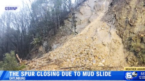 Mudslide Forces US-441 To Close From Gatlinburg To Pigeon Forge, TN | Country Music Videos