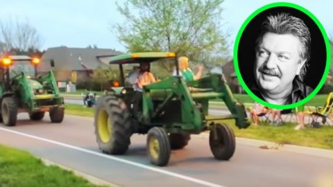 Joe Diffie's Friends & Neighbors Honor Him With Tractor Parade | Country Music Videos