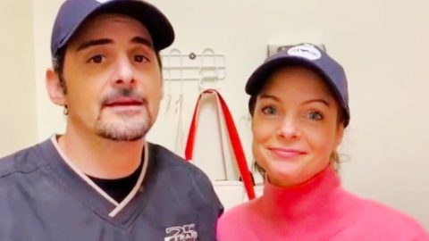 Brad & Kimberly Williams-Paisley's Free Grocery Store Will Deliver To Elderly During COVID-19 Outbreak | Country Music Videos