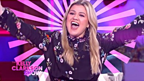 Kelly Clarkson's Talk Show Nominated For 7 Daytime Emmy Awards   Country Music Videos