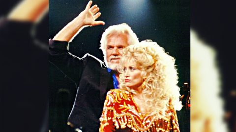"""Remember When Dolly Stopped Kenny From Giving Up On """"Islands In The Stream?"""" 