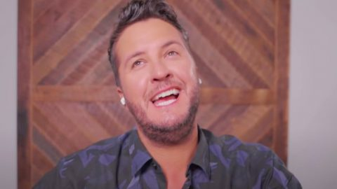 Luke Bryan Tries To Sing 100 Country Songs In 10 Minutes, Manages To Sing 51 | Country Music Videos
