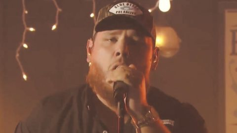 "ACM Awards: Luke Combs Performs ""Better Together"" At The Bluebird Cafe 