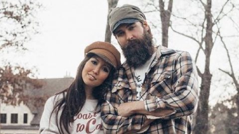 Duck Dynasty's Rebecca Robertson Recently Suffered A Miscarriage | Country Music Videos