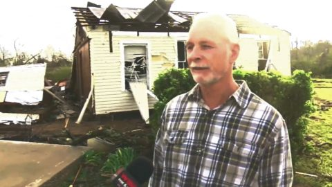 Family Forms Human Chain To Save Sister From Tornado | Country Music Videos