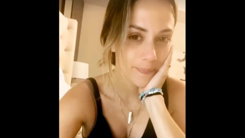 Teary-Eyed Jana Kramer Addresses Fans For 1st Time Since Filing For Divorce | Country Music Videos