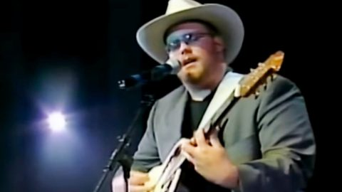"""Unearthed Video Shows Young Chris Stapleton Singing """"Amazed"""" By Lonestar 