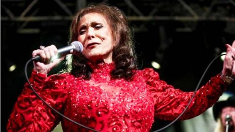 Loretta Lynn Responds To New Award | Country Music Videos