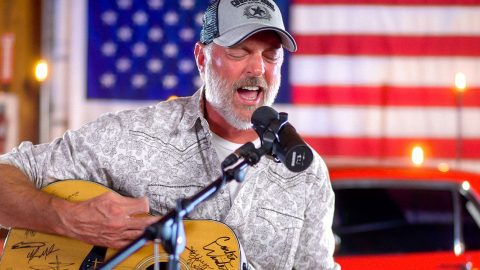Have You Forgotten? Darryl Worley Honors Lives Lost 20 Years After 9/11   Country Music Videos